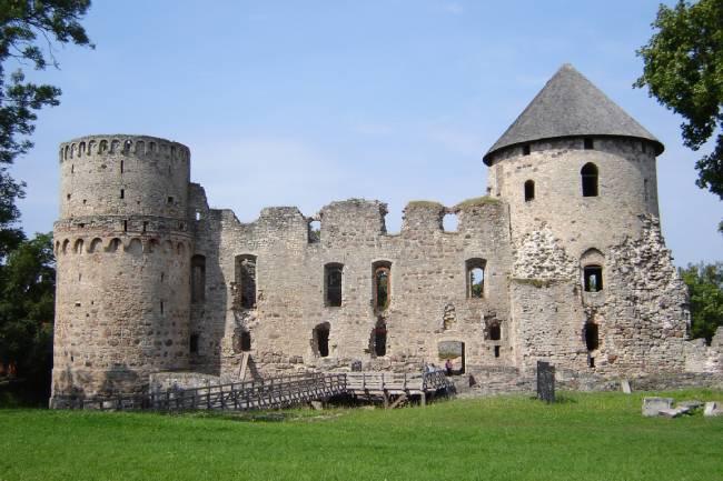 castillo cesis letonia