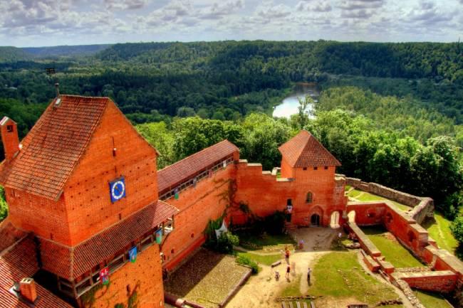castillo turaida letonia